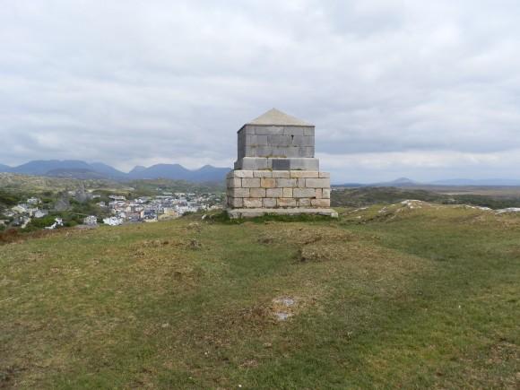 D'Arcy Memorial - Photo by Tony Calland