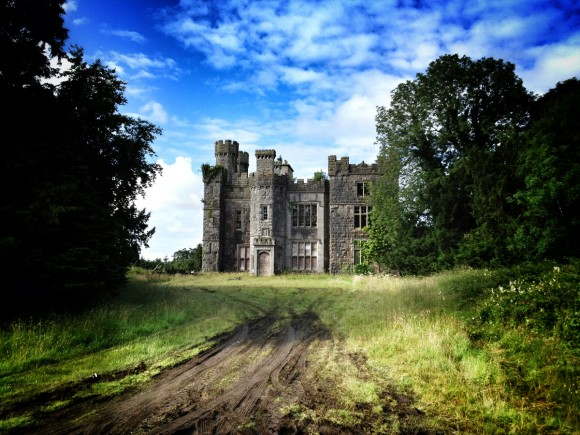 Castlesaunderson - Photo by Corey Taratuta